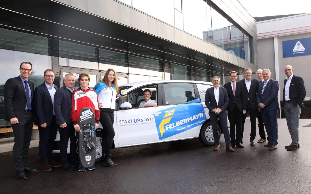 Start Up Sport Partner Felbermayr übergibt Auto an den Verein